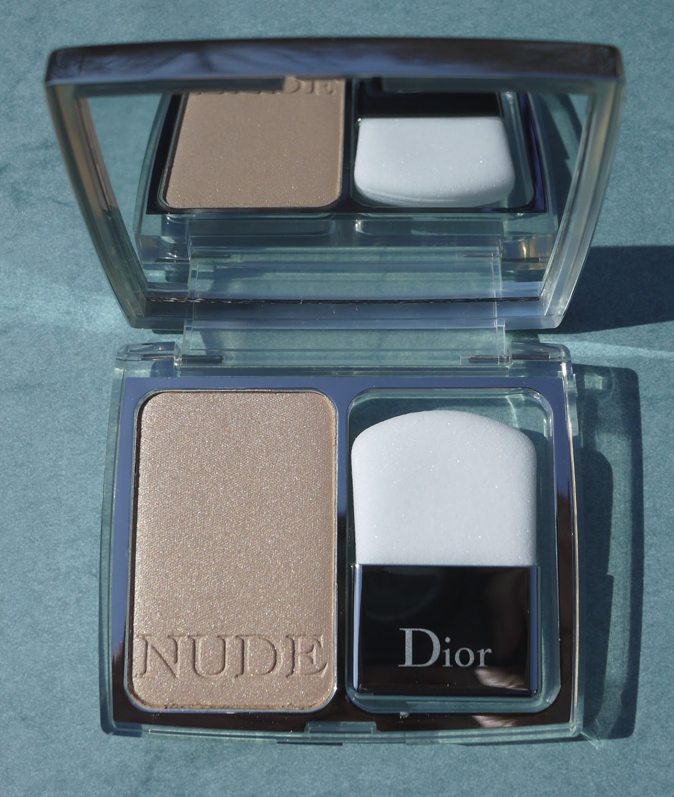 best things in beauty dior nude shimmer instant illuminating powder from the neiman marcus. Black Bedroom Furniture Sets. Home Design Ideas