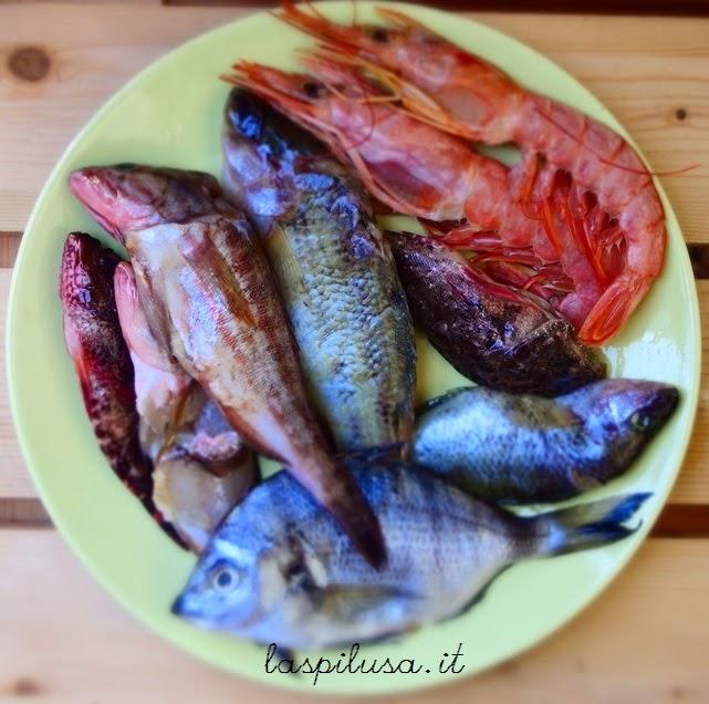 Zuppa di pesce e gamberoni alla voglia di mare