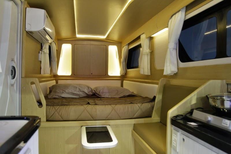 Interior Daihatsu Gran Max Caravan