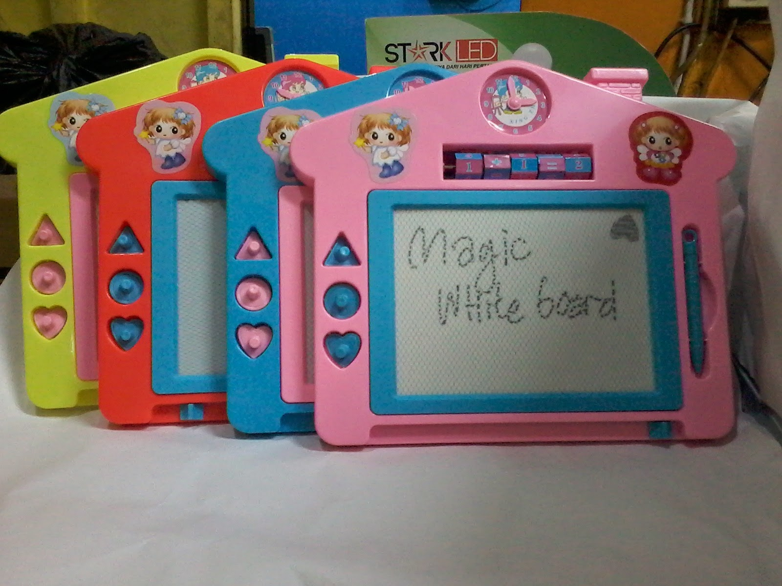 pilihan warna whiteboard magic kecil