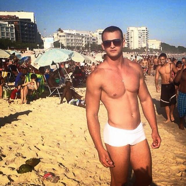 Ailton Rodrigues exibe o corpo sarado na praia de Ipanema, no Rio. Foto: Arquivo pessoal