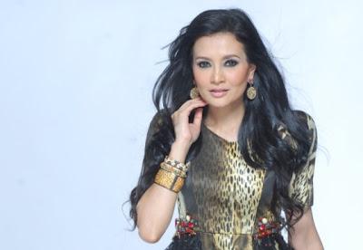Eja Ganti Sofea Jane Galas Watak 'Tun Siti Hasmah