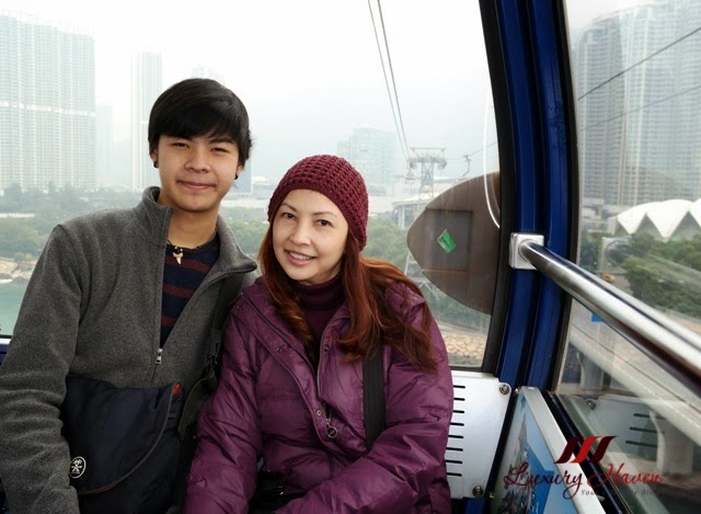 travel blogger reviews ngong ping cable car ride