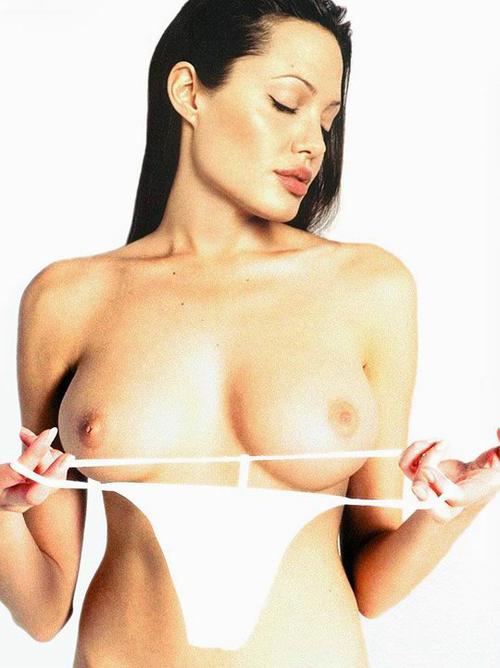 Angelina Jolie desnuda… una belleza