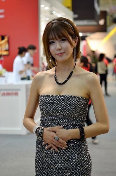 asian beauty Heo Yoon Mi
