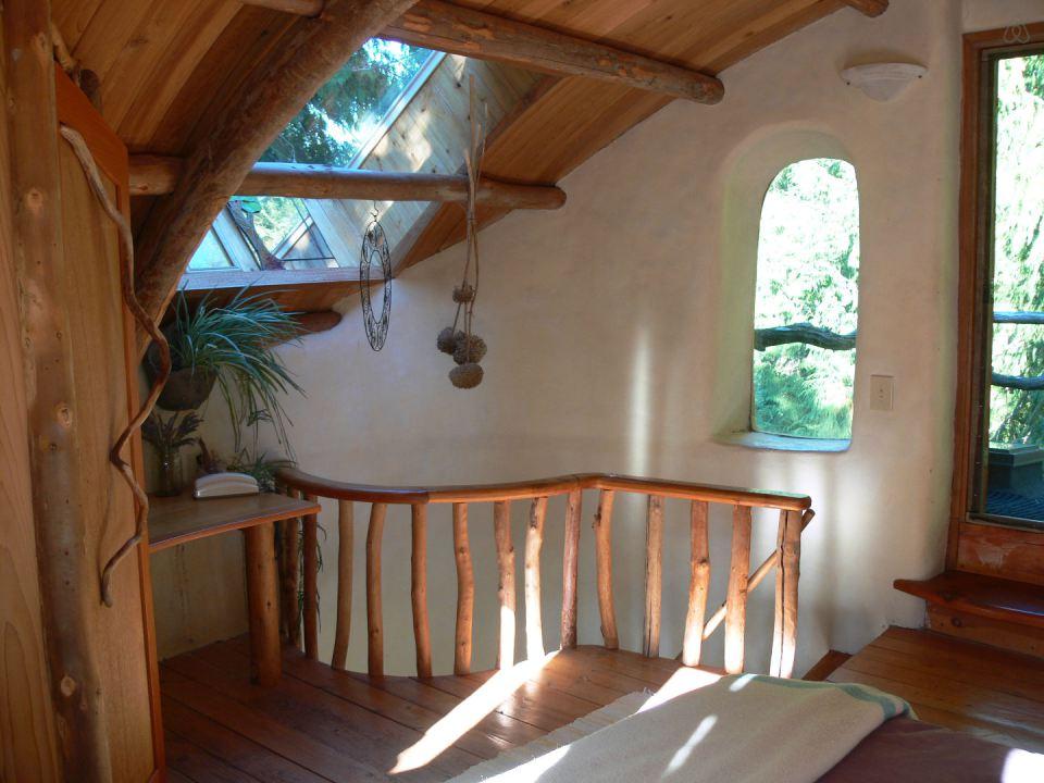 Moon to moon mayne island cob house for Piani di casa cottage storybook
