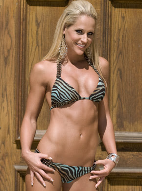 Michelle_McCool_Slip http://players24.blogspot.com/2011/04/michelle-mccool-wwe-diva-biography-news.html