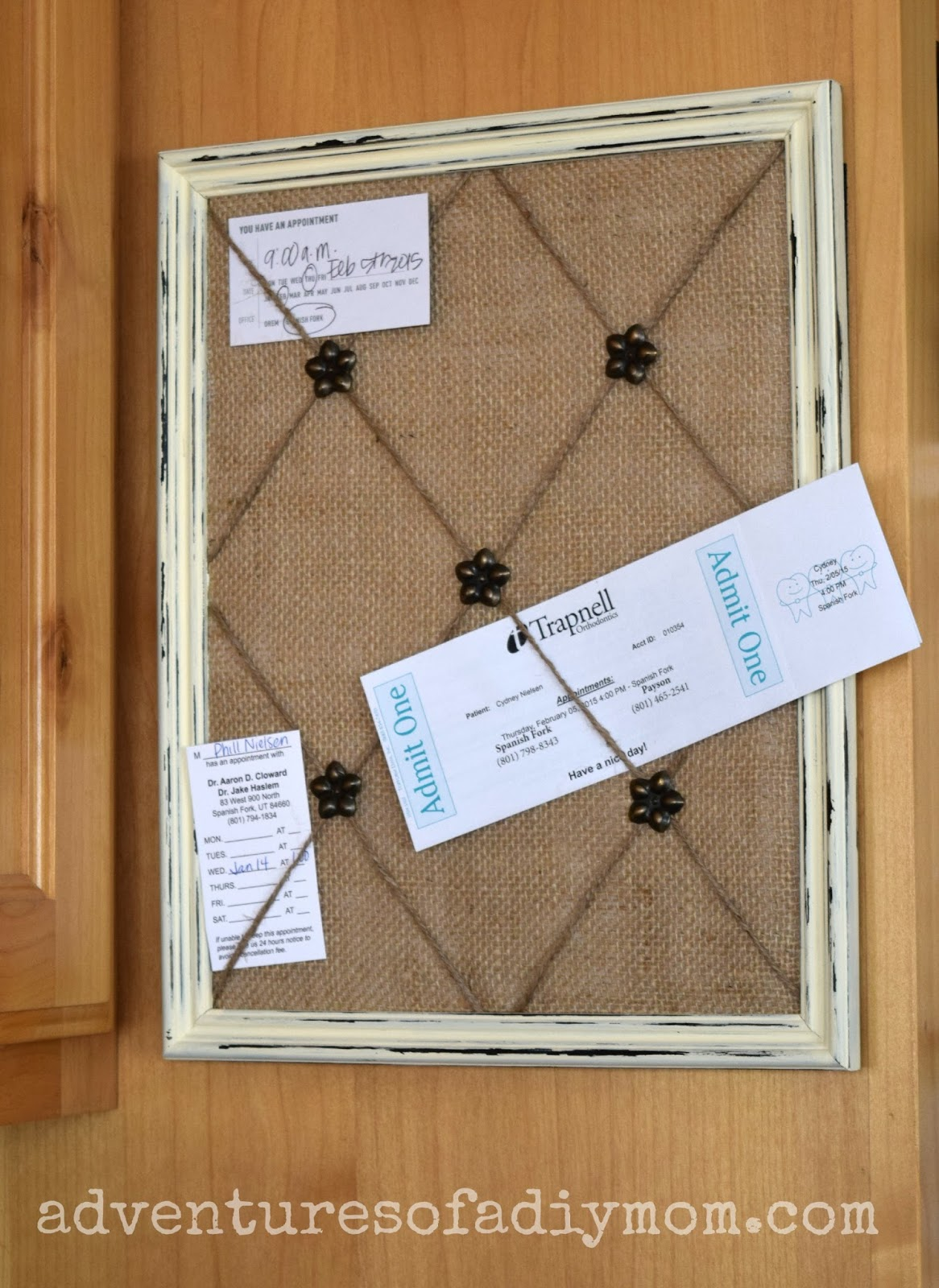 how to make a burlap and twine memo board