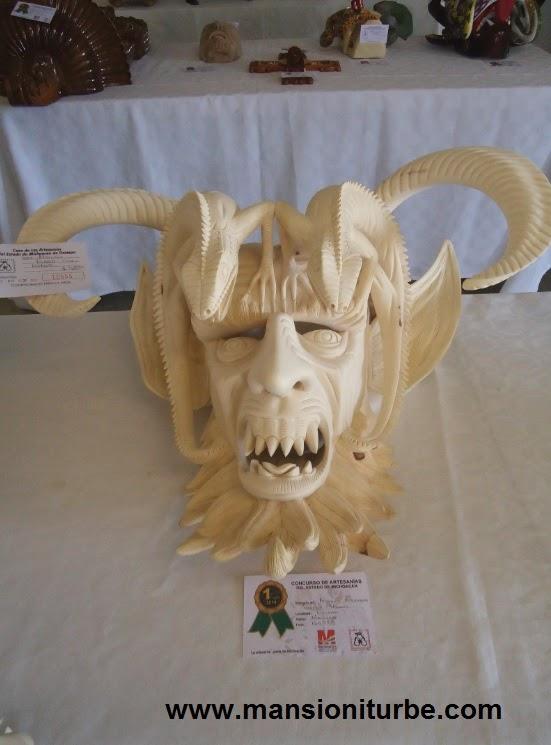 Mascaras de Tocuaro en el Concurso Artesanal