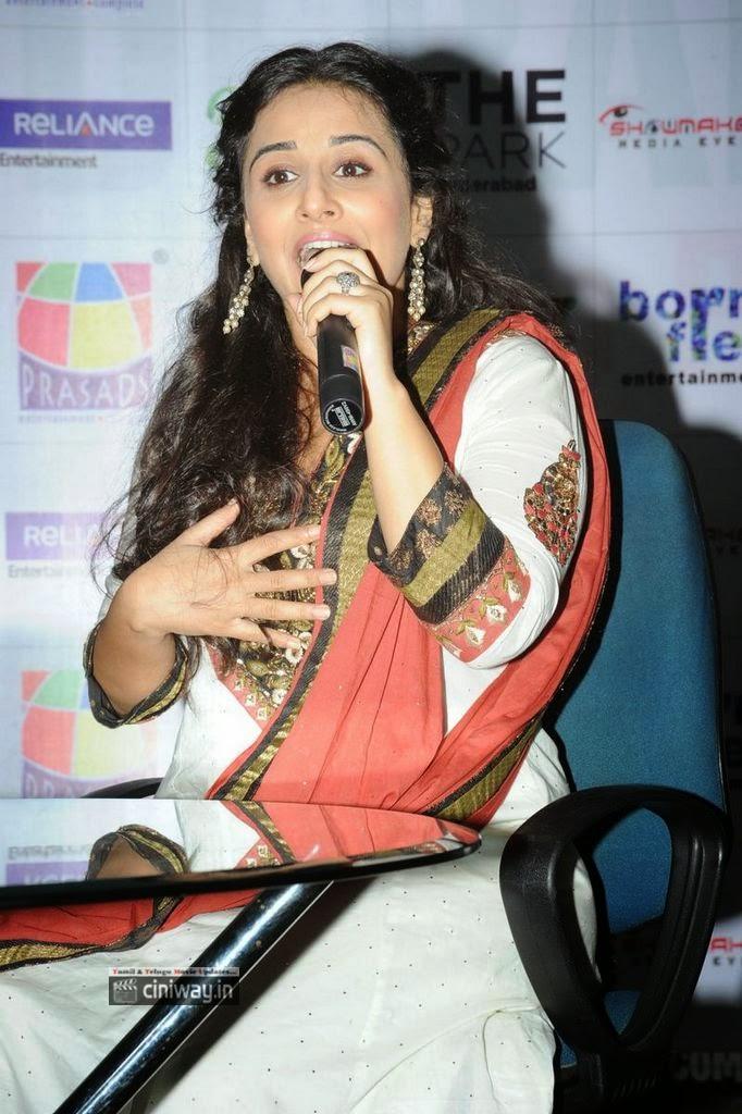 Vidya-Balan-Latest-Stills-at-Bobby-Jasoos-Movie-Press-Meet