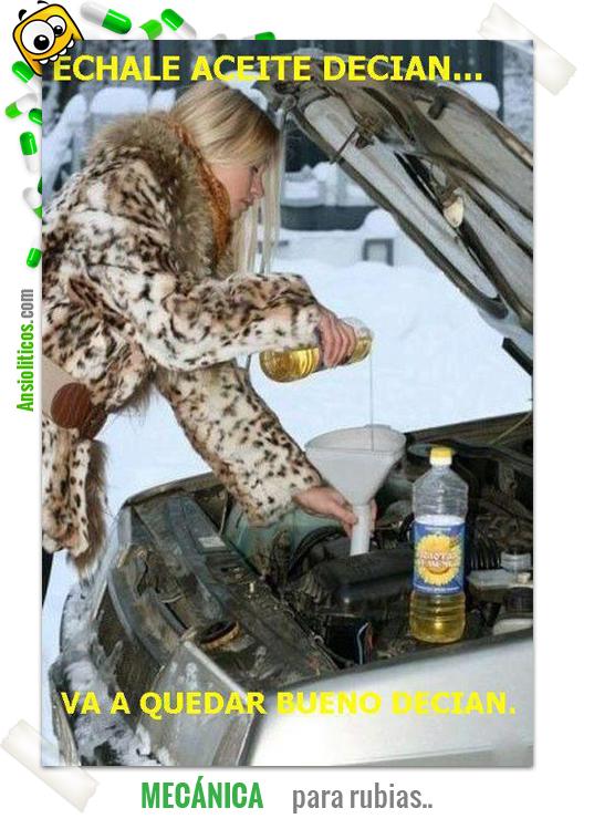 Inundar la gasolina a través de la botella