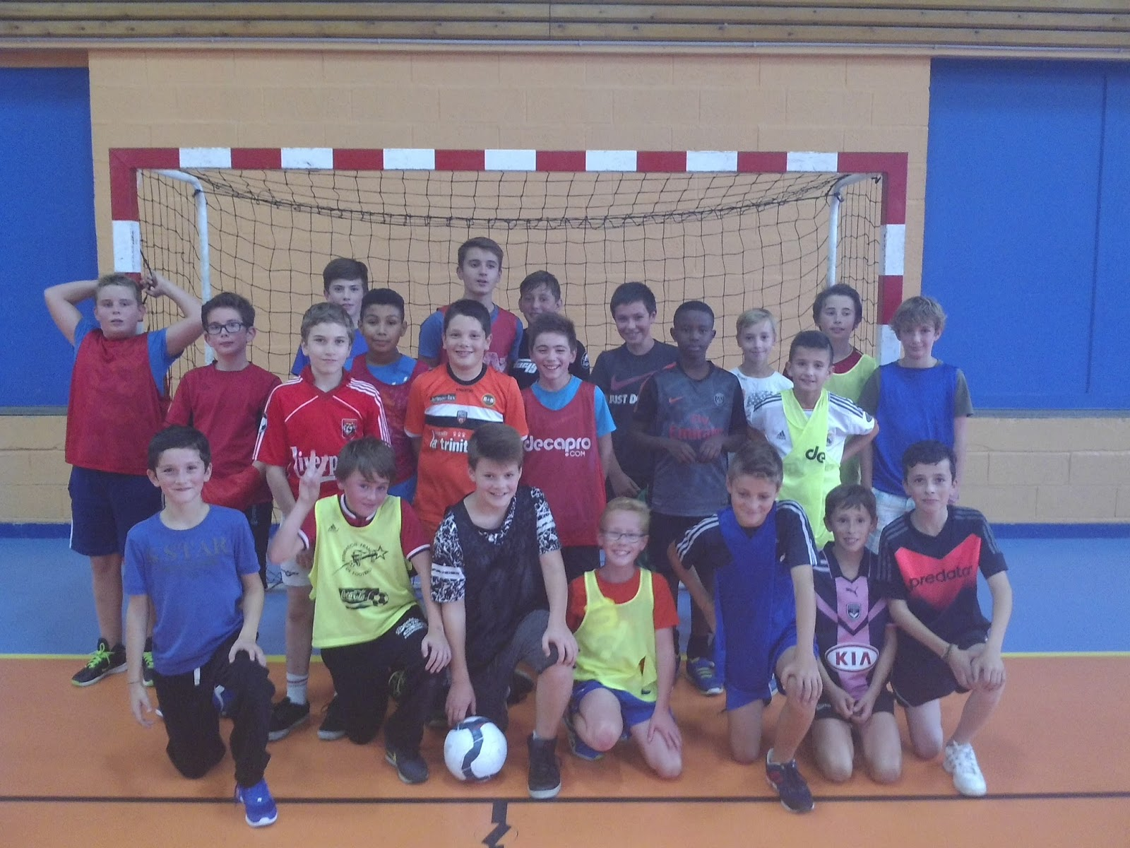 association sportive coll 232 ge fran 231 ois d assise activit 233 futsal on affiche complet