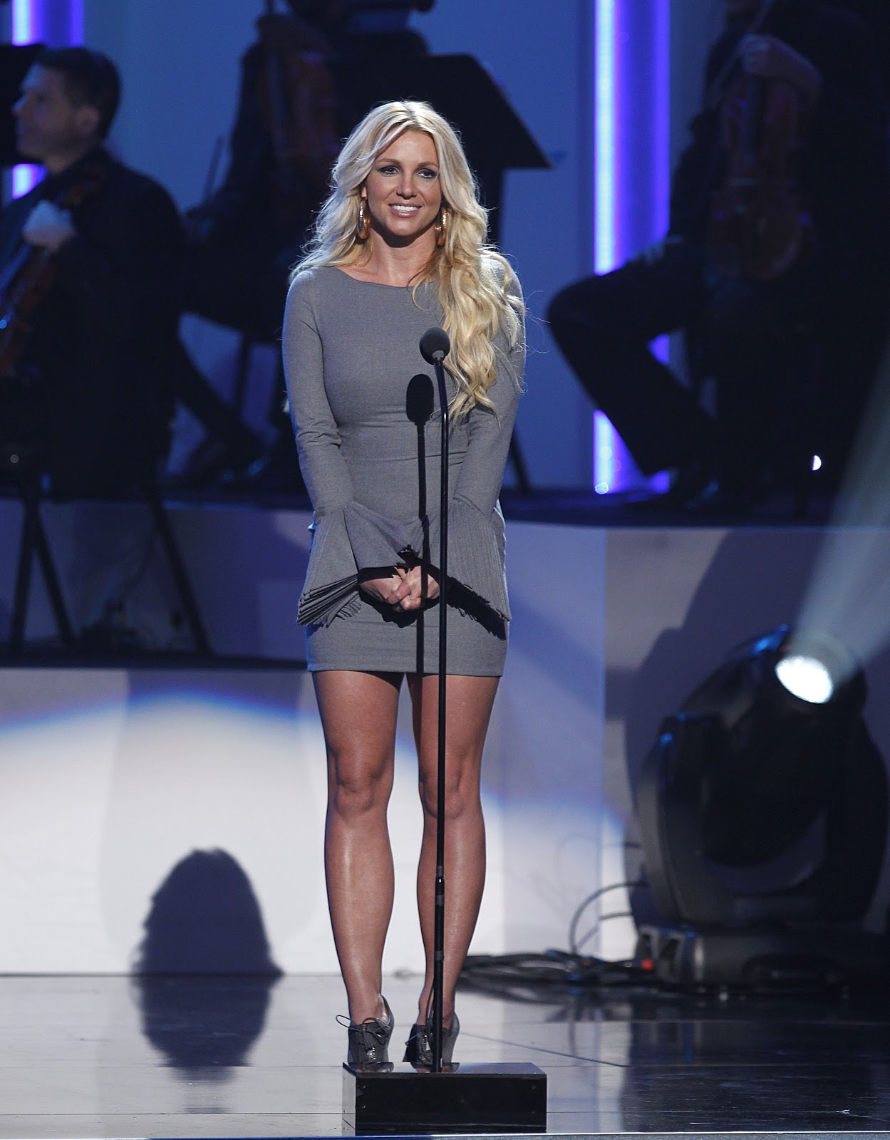 http://4.bp.blogspot.com/-NdkPeHjeNDE/UHln2QTirHI/AAAAAAAAS7E/LiNN_fWUeP4/s1600/Britney+Spears+at+A+Grammy+Salute+to+Whitney+Houston+Oct++2012-05.jpg