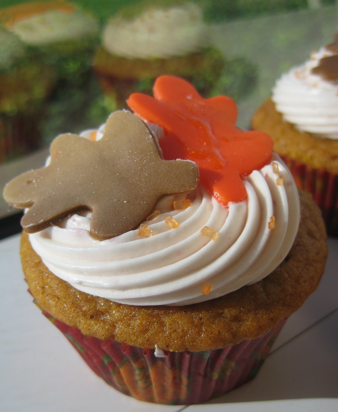 Thanksgiving Cupcakes Decorations  Maple Leaves and Pumpkins