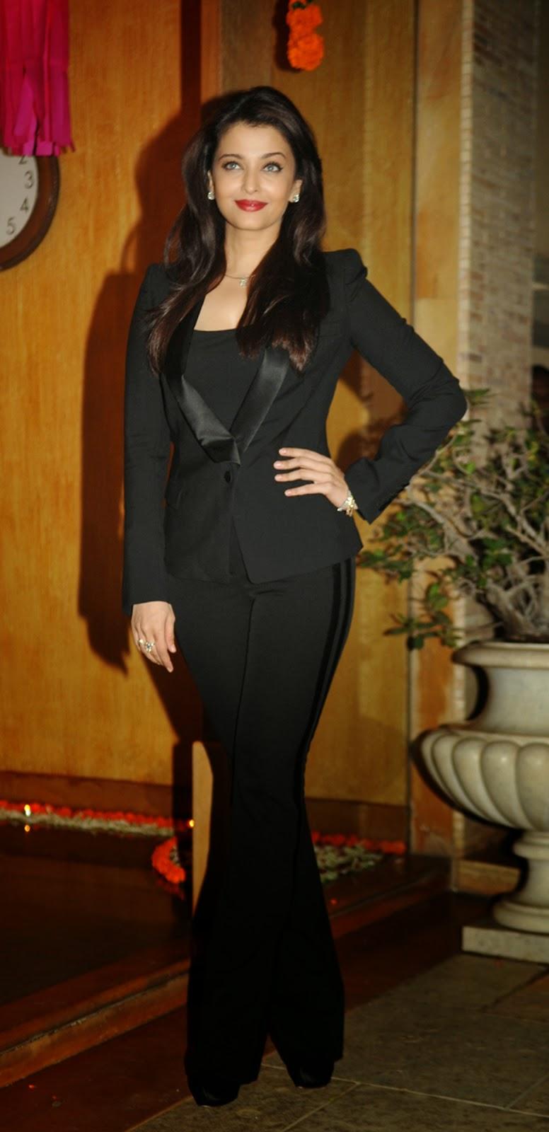 Bollywood actress Aishwarya Rai Bachchan birthday Images