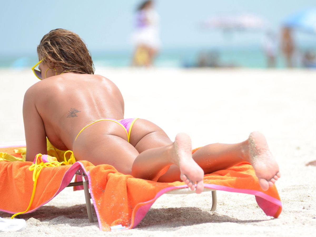Jennifer Nicole Lee Bikini Wardrobe Malfunction Loose Boobs But