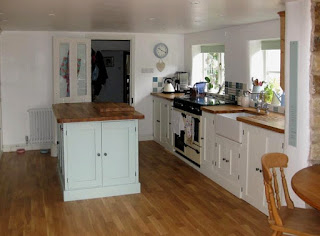 pegasus pine furniture Northampton, made to measure kitchens, kitchen island, cream kitchen range, handpainted kitchens units, Northampton furniture