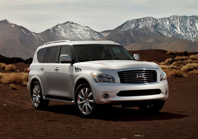 Silver 2012 Infiniti QX56 with Sierra Nevada mountains in background