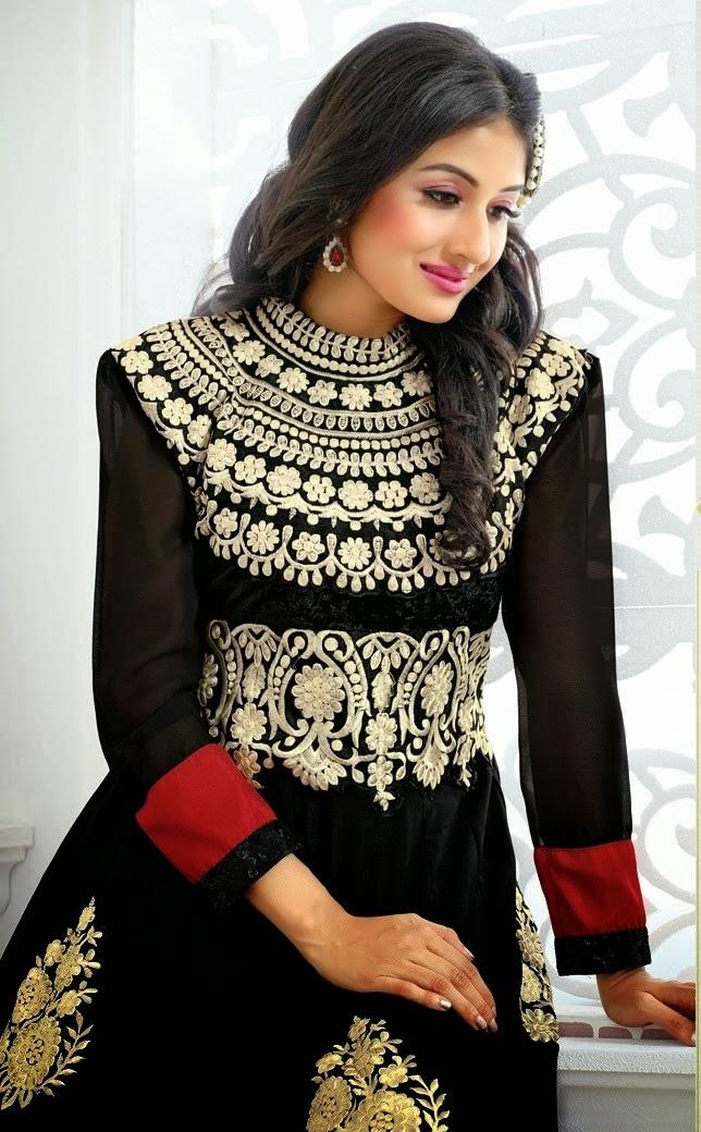 Paridhi Sharma In Saree | Holidays OO