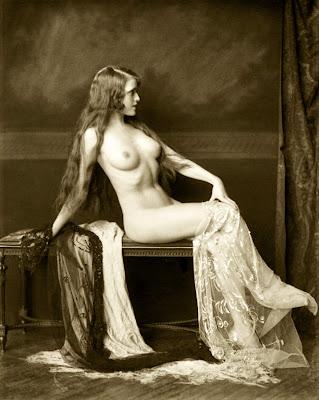 Старинные фото женщин голых