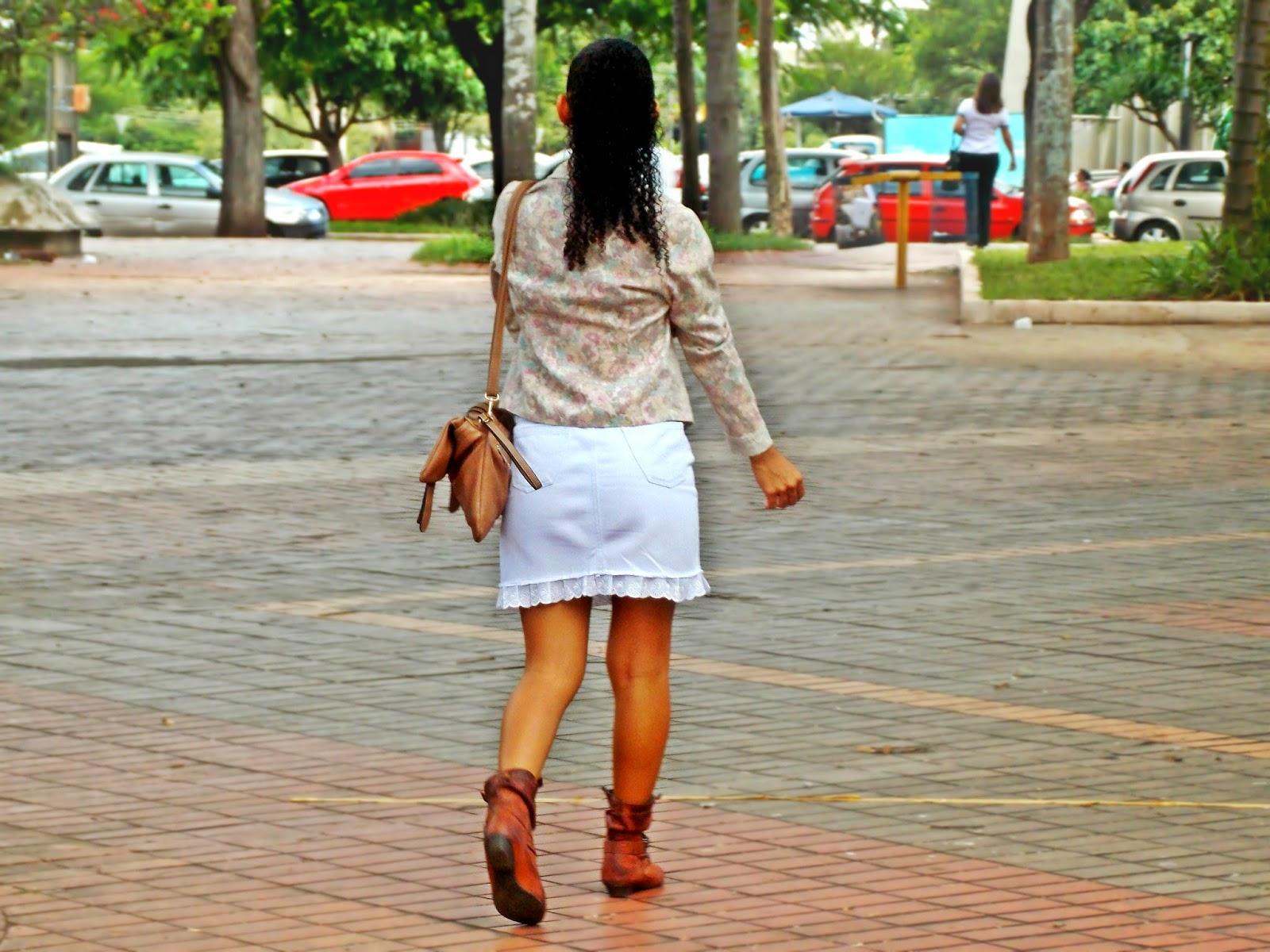 Gleikka, look, outono/inverno 2014, casaquinho, bota cano curto, jeans branco, saia