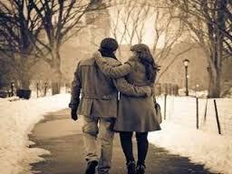 طرق للتخلص من روتين الحب والعلاقة العاطفية,حبيبان يتمشيان يمشيان نزهة المشى ,man woman walking
