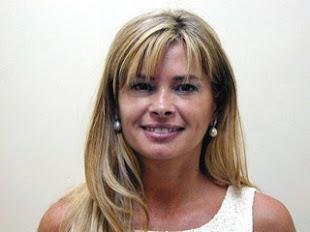 MARIA LAURA LEGUIZAMÓN...