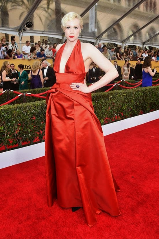Curiously enough, each gallery reached for mesmerizing dresses and Gwendoline Christie has turned into no exception for the red carpet event at Los Angeles on Sunday, January 25, 2015.