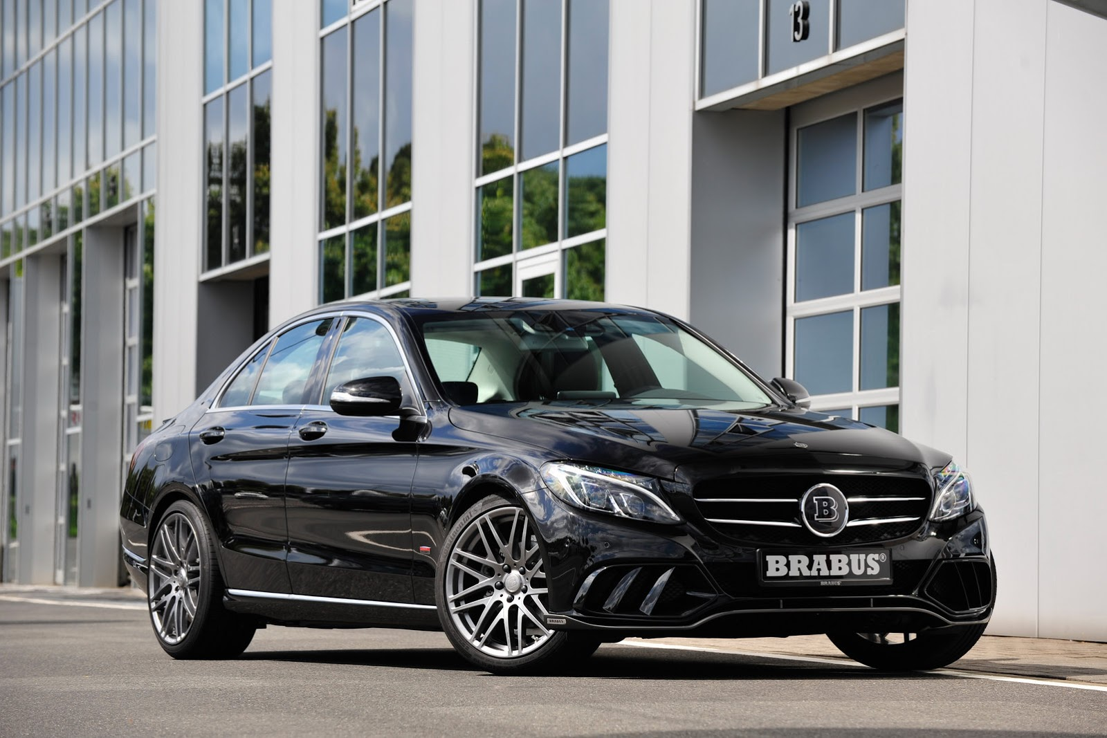 brabus tunes into new 2015 mercedes benz c class w205 41 pics carscoops. Black Bedroom Furniture Sets. Home Design Ideas