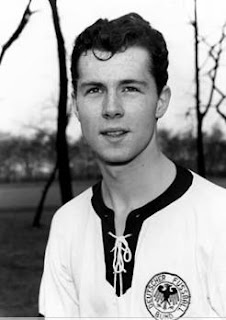 Beckenbauer joven