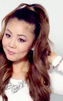 Ariana Grande Big Half Up Do! Are you ready to look cute and casual? Full tutorial here!