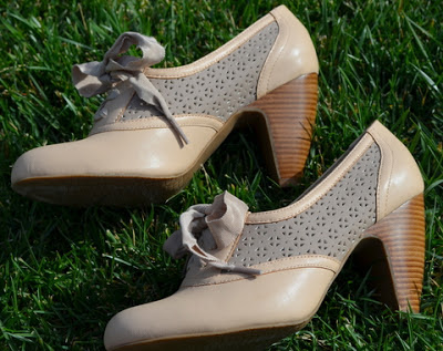 A pair of Crown Vintage Cheryl Pump in Blush