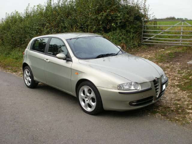 alfa romeo 147 1 9 jtd 2011 cars specification. Black Bedroom Furniture Sets. Home Design Ideas