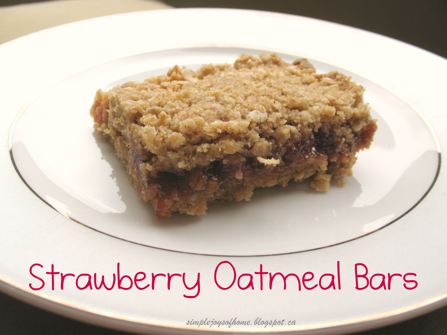 Simple Joys of Home: Strawberry Oatmeal Bars
