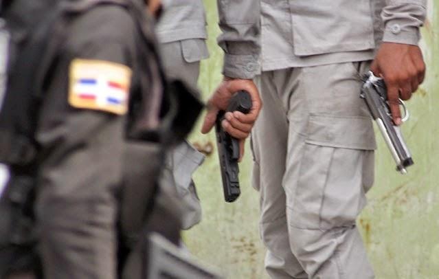 En Bani: Patrulla mata a tiros una mujer y un hombre en confuso incidente
