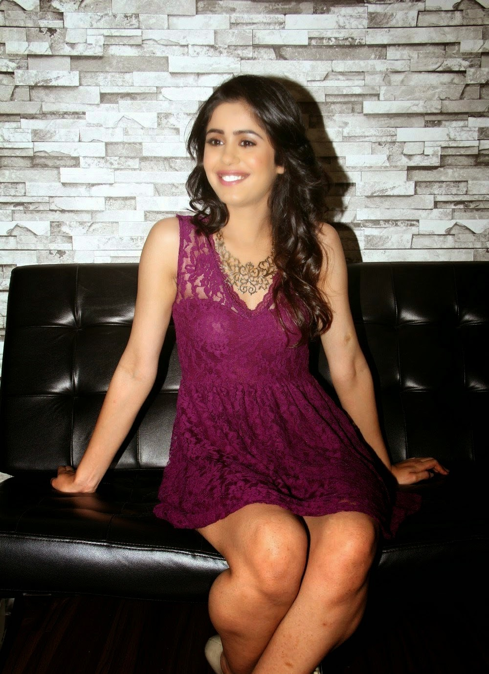 Gunjan Malhotra Latest hot Photos