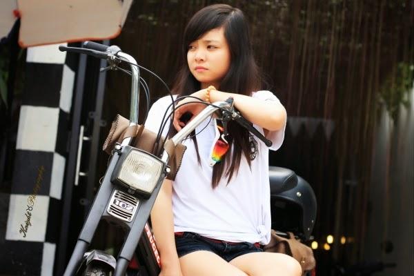 Teen xinh cùng môtô
