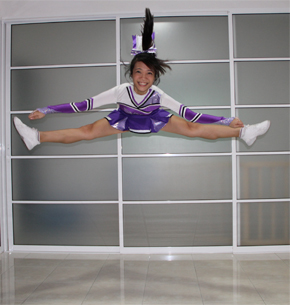 Cheerleader Toe Touch Photos http://jaslynnmcd7213.blogspot.com/2011/04/toe-touch.html