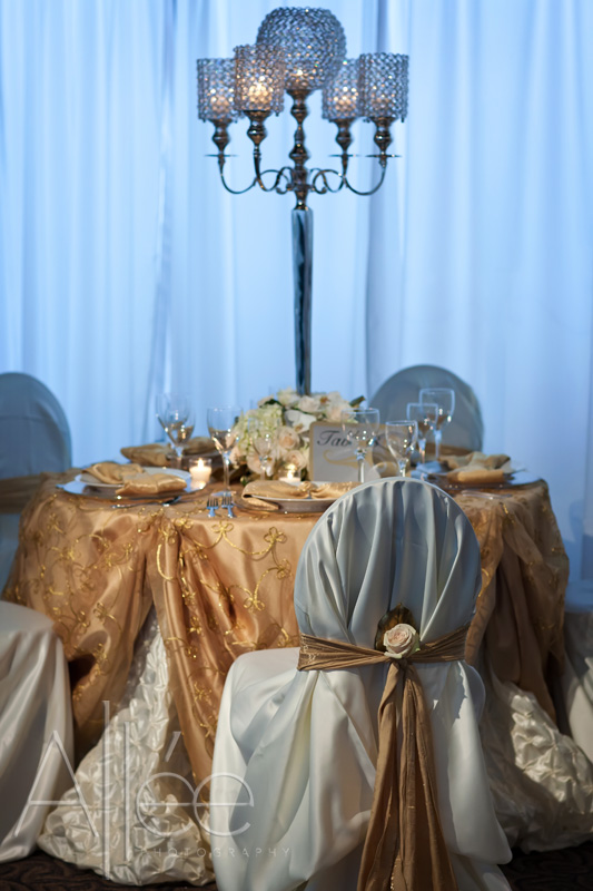 Wedding Design All the Glitters is Gold Theme