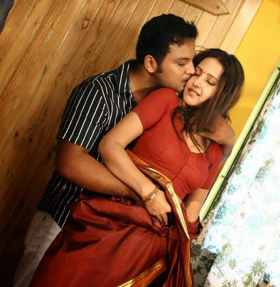 Cinemesh archana sharma hot photos shanthi appuram for Hot bedroom photos