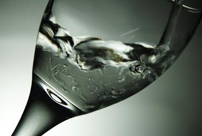 Air penting untuk kelancaran fungsi-fungsi organ dalam badan manusia
