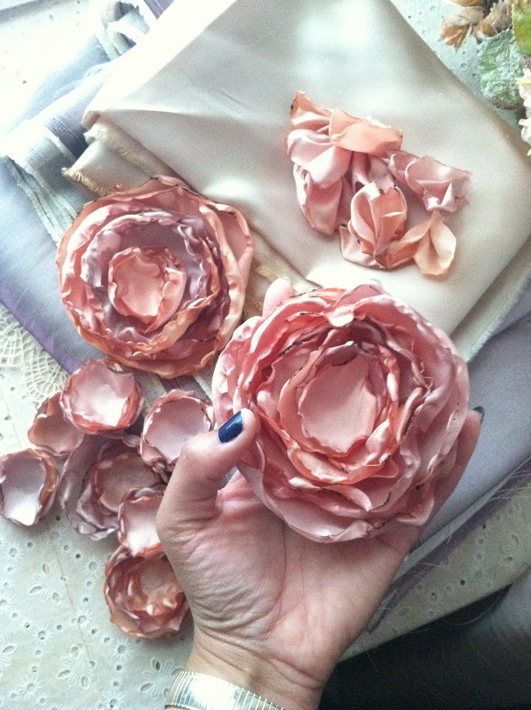 Storytale shop diy fabric flowers tutorial learn how to make these gorgeous satin fabric flowers step by step mightylinksfo