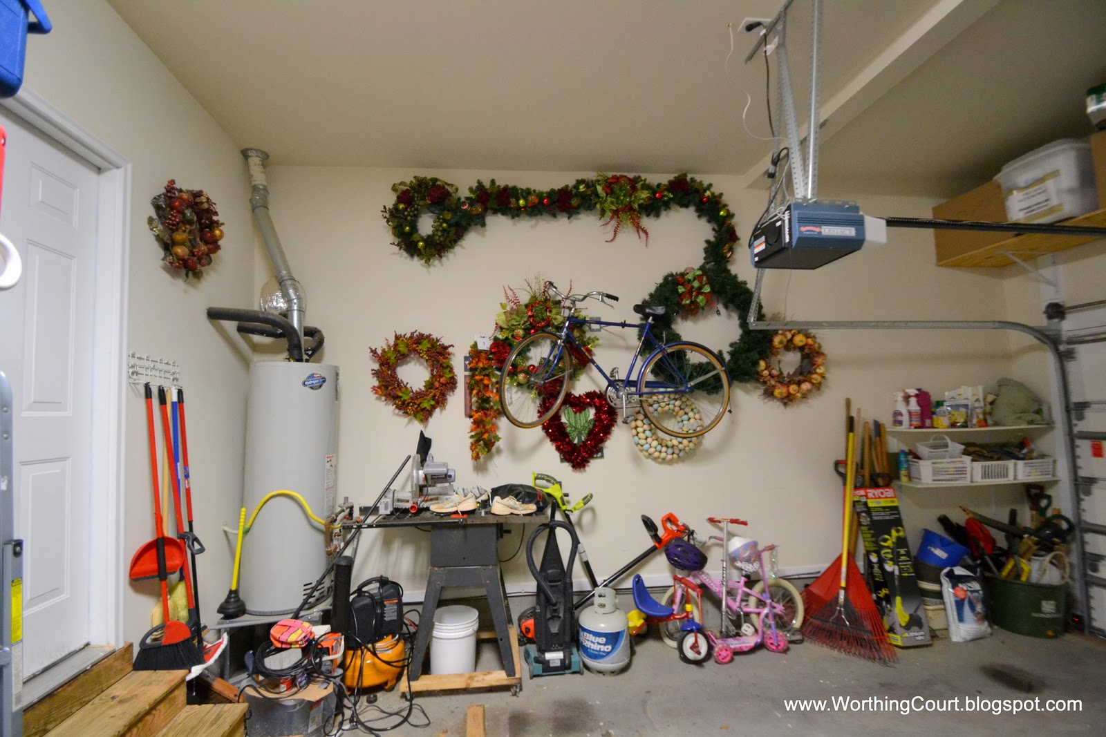 how to organize christmas decorations via worthing court blog - How To Organize Christmas Decorations