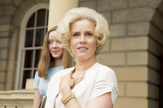big eyes-madeleine arthur-amy adams