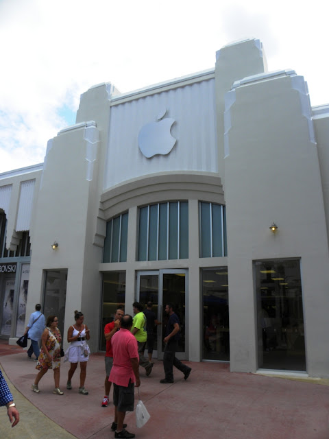 Miami Beach Apple Store
