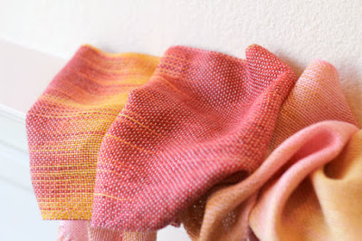 https://www.etsy.com/listing/111072204/hand-woven-scarf-gradient-color-red?ref=shop_home_active_17