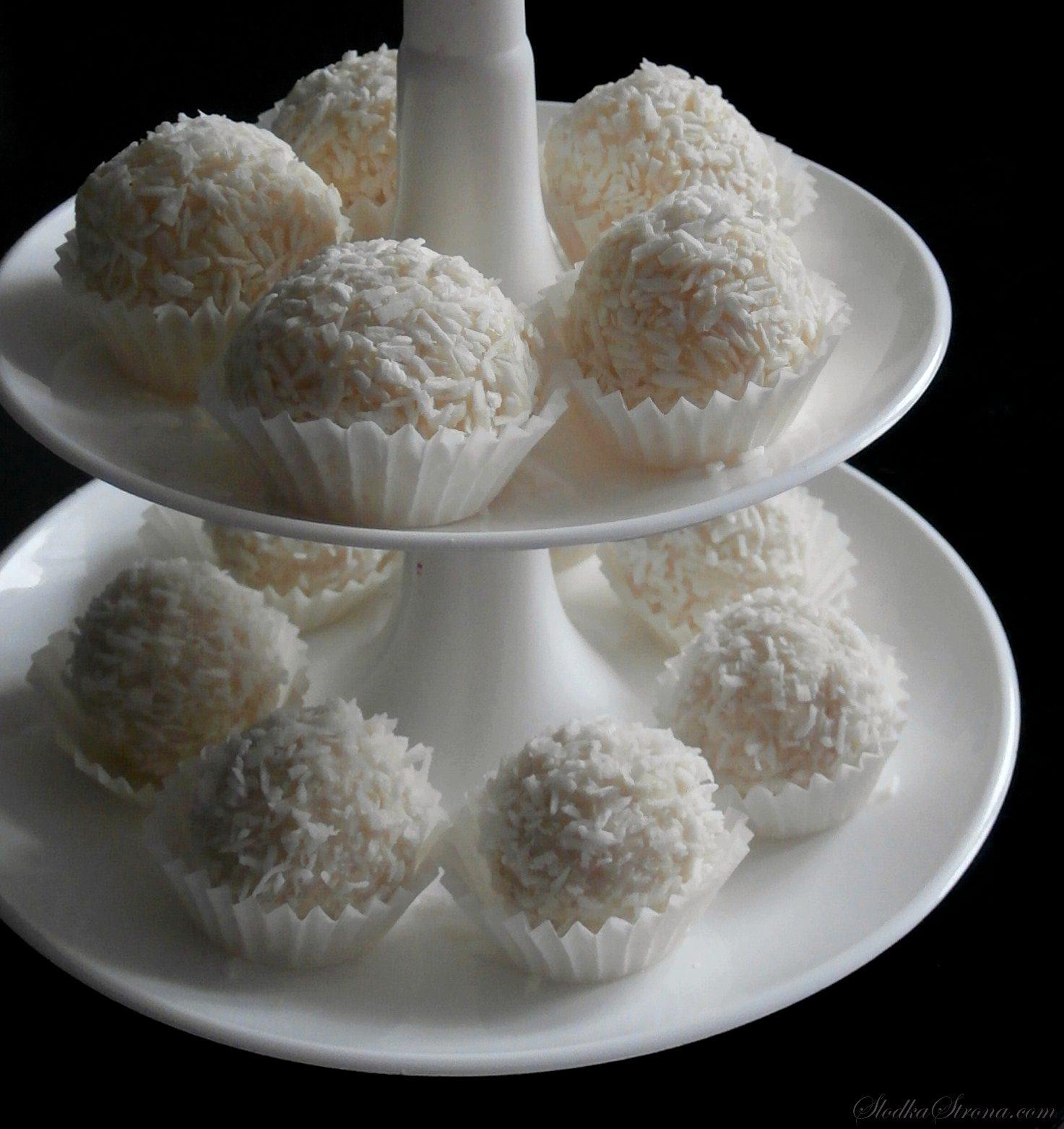 Domowe Kokosowe Pralinki - a'la Raffaello - Przepis - Słodka Strona