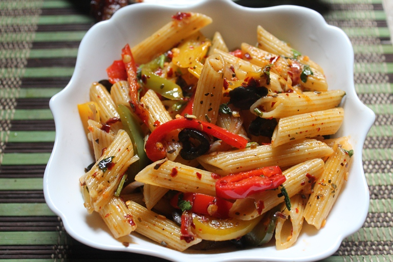 Italian penne pasta recipe italian pasta recipe penne pasta today we are moving back to italythere is nothing more to say about italy than pasta and garlic bread is possibly the cutest combinations in food forumfinder Image collections