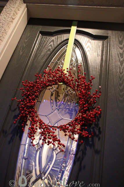 How to hang a wreath on the front door 3M hook upside down