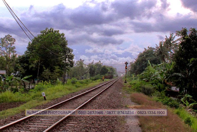 Railway / Ril Sepur / Rel Kereta Api - Foto oleh : KLIKMG Photography - Photographer Indonesia / Photographer Purwokerto / Photographer Banyumas / Photographer Jakarta